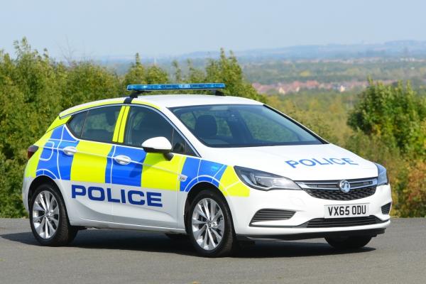 2016-vauxhall-astra-police-uk-24A0B68B1-544E-0476-D6BA-B7FA23B59FB9.jpg